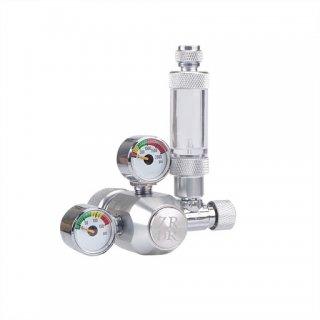Riduttore di pressione per bombole ricaricabili a due manometri